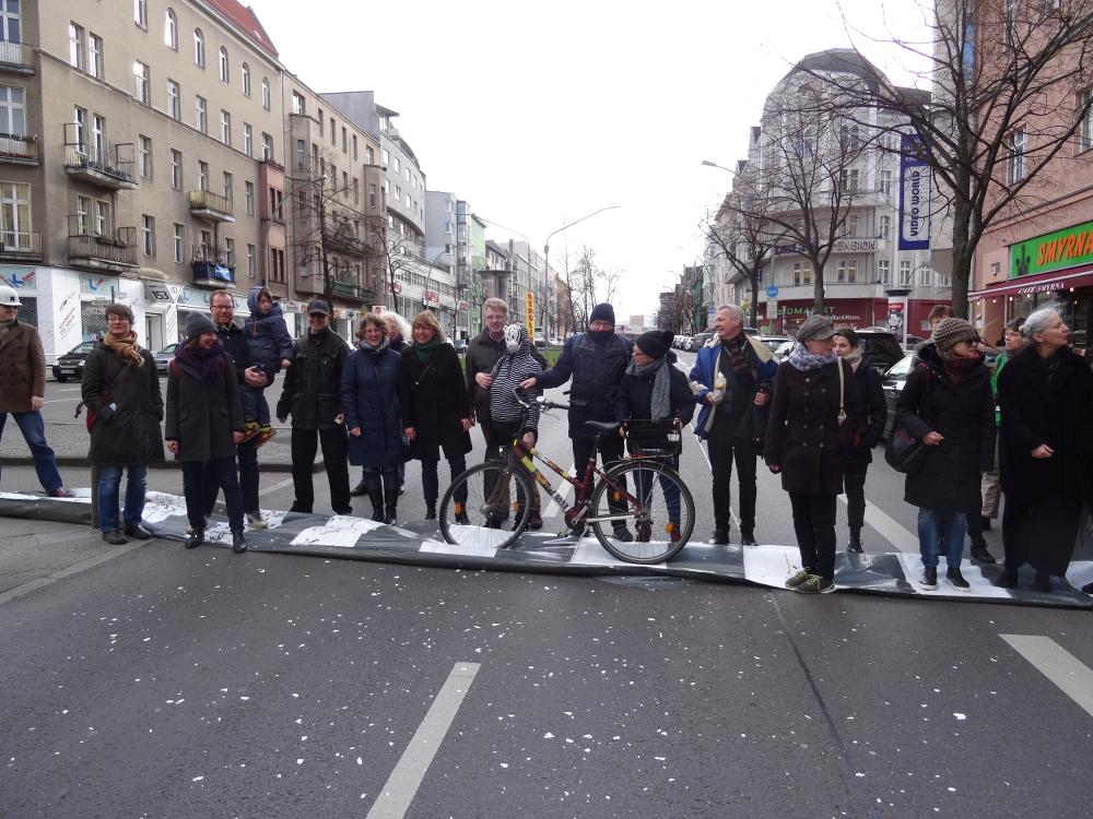 """""""Aktion Zebra"""" für sicheren Verkehr an der Hauptstraße"""